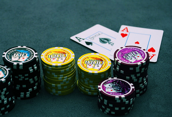 Why Some People Virtually Always Make/Save Cash With Casino